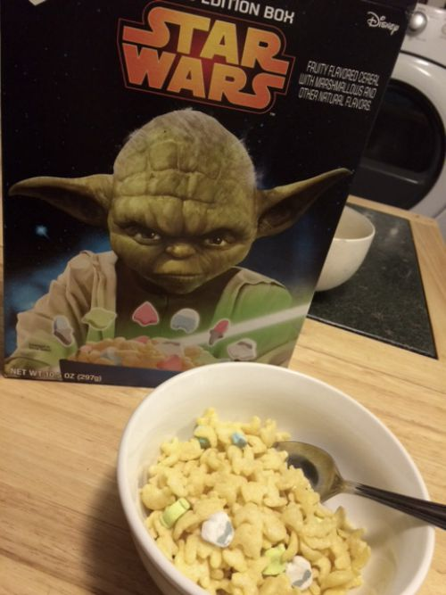 Captain Mom, Rhonda Franz, Star Wars cereal, breakfast, traveling mama