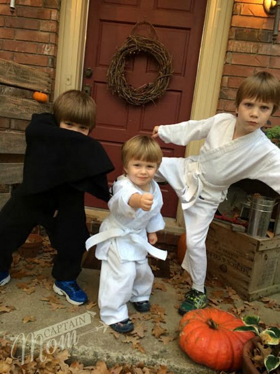 Captain Mom, Halloween costumes, simple Halloween, Rhonda Franz