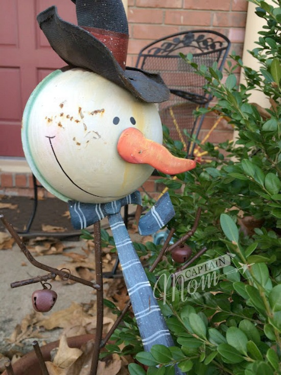 Christmas greetings controversy, war on Christmas, snowman decoration